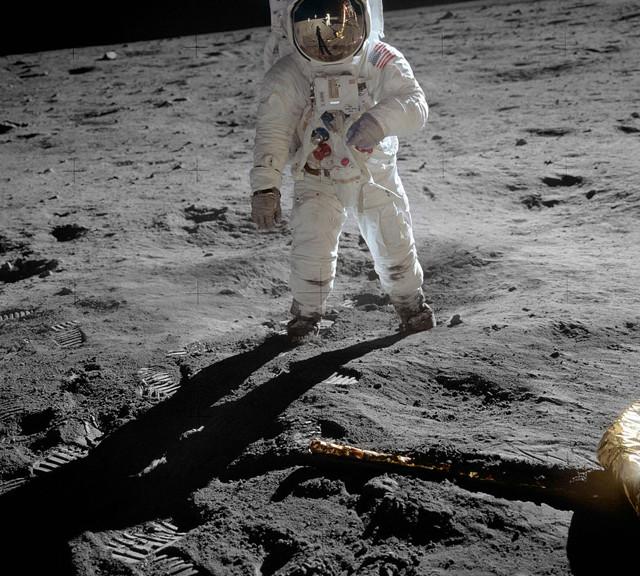 1018px-Aldrin_Apollo_11_original