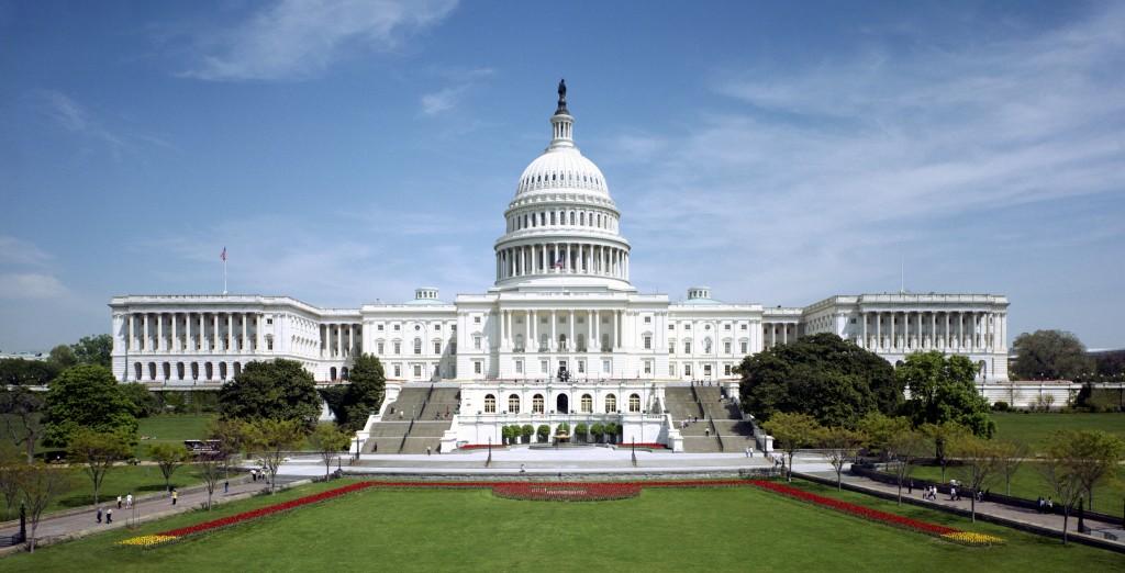 United_States_Capitol_-_west_front_tilt_correct-1024x522