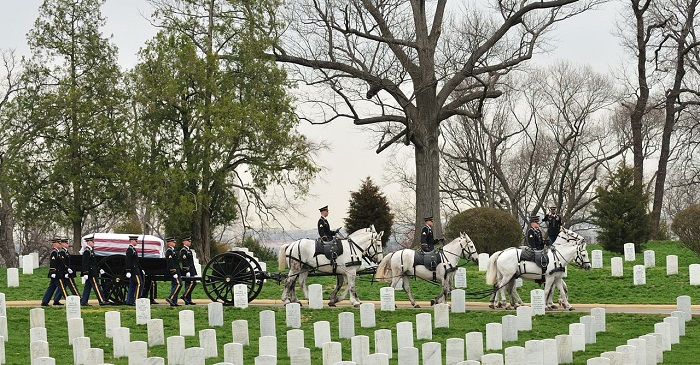 1280px-SMA_Dunway_Burial_at_Arlington_National_Cemetery_2008